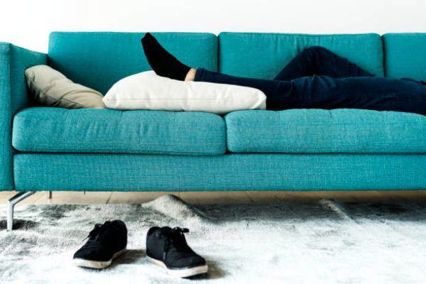 Como combatir el cansancio de otono siesta